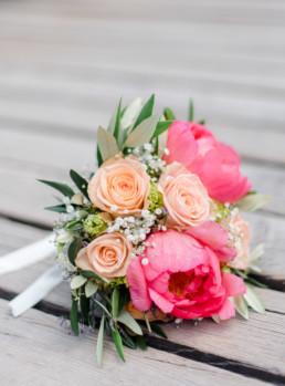 Nahaufnahme vom Brautstrauße von Marie durch Hochzeitsfotograf Veronika Anna Fotografie