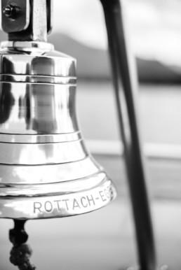 Nahaufnahme einer Schiffsglocke von Hochzeitsfotograf Veronika Anna Fotografie aus Straubing