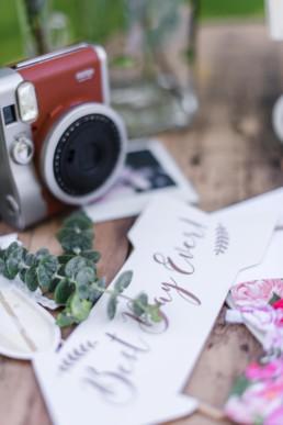 Polaroidkamera auf der Hochzeit von Olivia und David in München