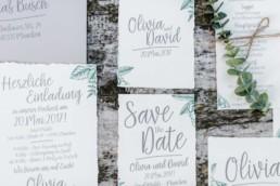 Einladungskarten an die Gäste die Hochzeit von Olivia und David in München