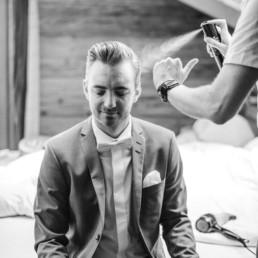 getting ready am hochzeitstag, fotografiert von Hochzeitsfotograf Veronika Anna Fotografie aus München und Straubing Friseur