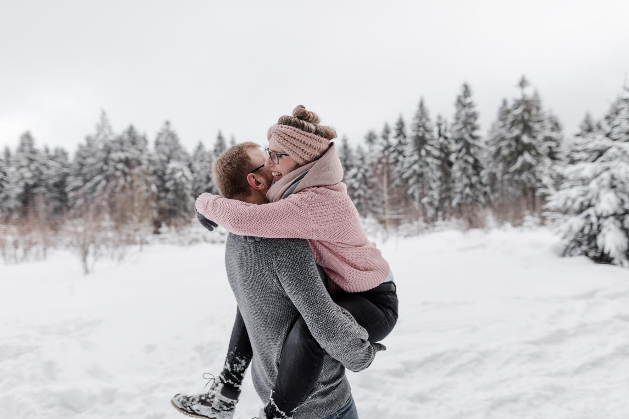 mini-shooting in sankt englmar bayerischer Wald paarshooting für verliebte im winter