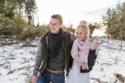paarshooting valentinstag im bayerischen wald bei straubing im winter, moritz und selina