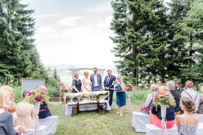 Berghochzeit im Bayerischen Wald von Julia und Tom, fotografiert von Hochzeitsfotografin Veronika Anna Fotografie, Hochzeitsfotograf Bayerischer Wald