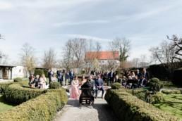 Freie Trauung bei einer Hochzeit am Starnberger See bei Muenchen fotografiert von Hochzeitsfotografin Veronika Anna Fotografie aus Straubing.