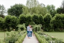 Romantisches Paarbilder in Österreich am Obernberg in der Natur fotografiert von Hochzeitsfotograf Veronika Anna Fotografie aus Muenchen.