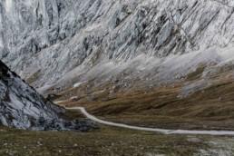 Wanderweg in den garmischer Bergen von Veronika Anna Fotografie aufgenomen.