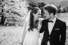 Hochzeitsfotograf Kochelsee, Stilvolle Hochzeitsfotos von der Hochzeit im Herbst am Kochelsee. Fotos von Hochzeitsfotografin Veronika Anna Fotografie aus Niederbayern.