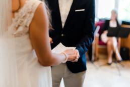 Fotograf Kochelsee, Details der standesamtlichen Hochzeit in Kochel am See.