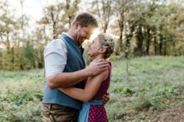 Besondere Augenblicke im bayerischen Wald. Paarfotos aufgenommen von Hochzeitsfotografin Veronika Anna Fotografie aus Niederbayern.