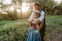 Hochzeitsfotograf München, Paarfotos in freier Natur von Hochzeitsfotografin Veronika Anna Fotografie, bayerischer Wald.