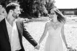 Schöne Hochzeitsbilder an der Isar von Veronika Anna Fotografie