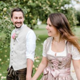 Heiraten in Tracht fotografiert von Veronika Anna Fotografie in Dachau