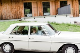 Vintage Mercedes Hochzeitsgäste