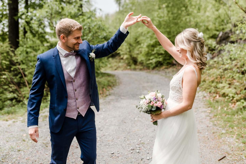 Dancing Pose des Brautpaares