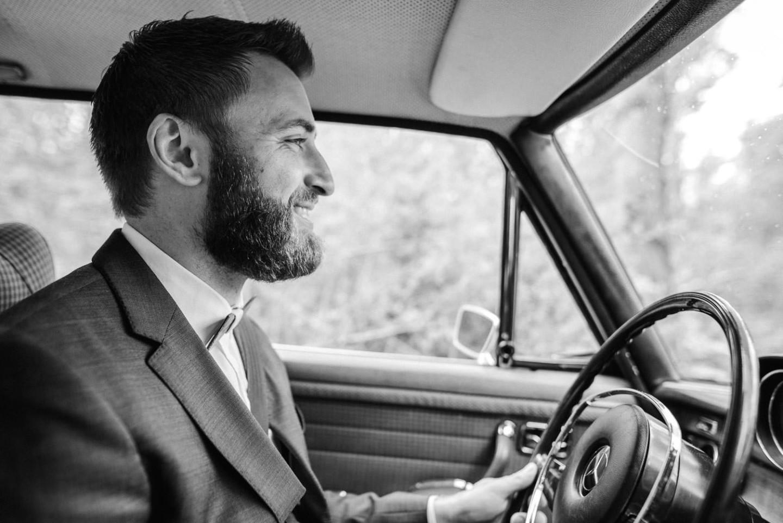 Chauffeur des Brautautos