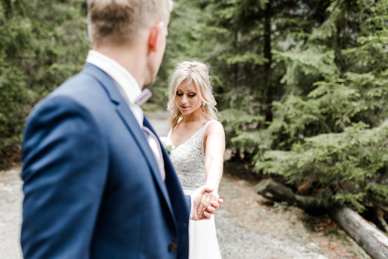 Paarshoot natürliche Hochzeitsfotos