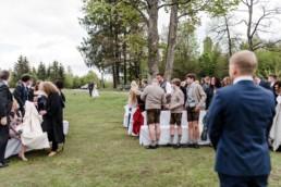 Aller erwarten gespannt die Braut