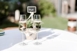Sekt für die Braut und den Bräutigam
