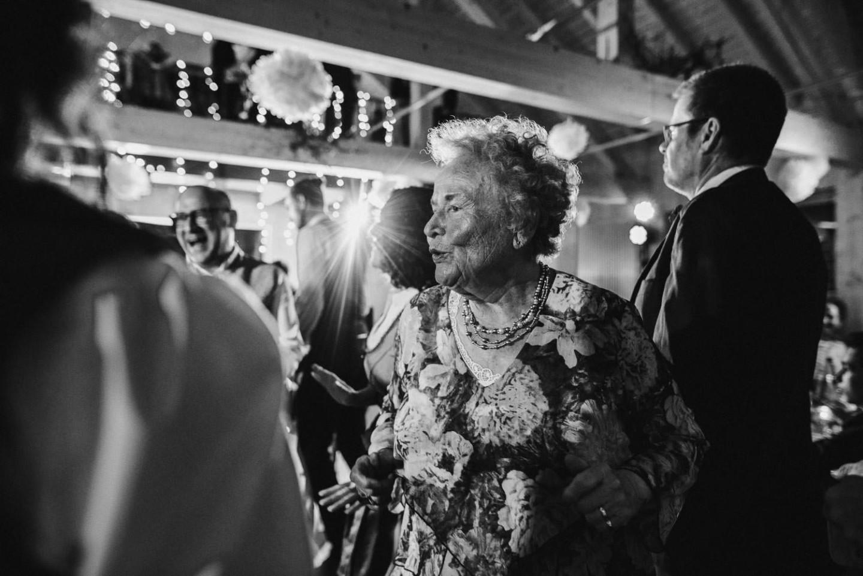 Die Oma feiert mit! Party für alle