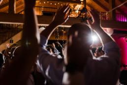 Hoch die Hände Partystimmung zur Hochzeit