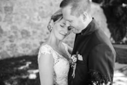 Paarshooting Hochzeit in Schwarz Weiß