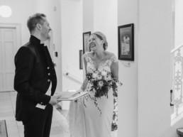 Happy Bride- Frisch getraut und glücklich im Standesamt