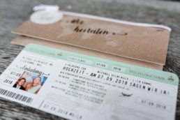 Einladung zur Hochzeit im Ticket Design