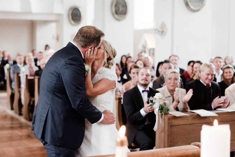 Der erste Kuss als Mann und Frau
