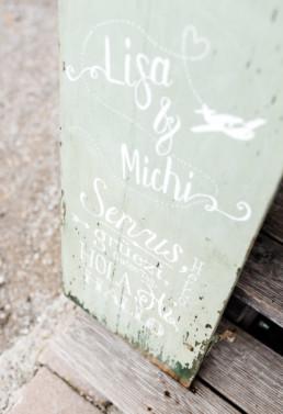 Willkommesschild zur Hochzeit bei Lisa & Michi
