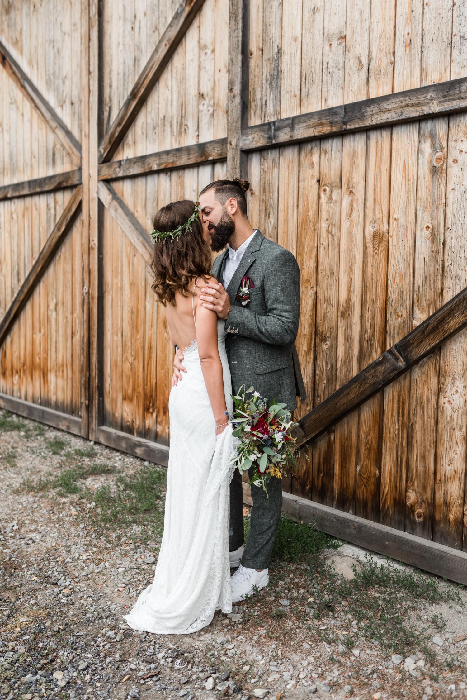 Natürliche Hochzeitsfotos, Paarfotos von Veronika Anna Fotografie, bayerischer Wald