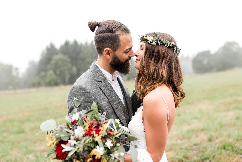 Brautpaarshooting bayerischer Wald, Hochzeitsfotografin Veronika Anna Fotografie bayerischer Wald.