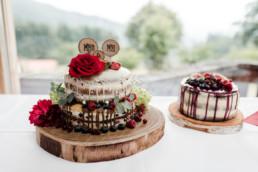 Die Hochzeitstorten, für Hochzeit im bayerischen wald, fotografiert von Veronika Anna Fotografie.