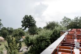 Regnerischer Hochzeitsmorgen am Grandsberger Hof, bayerischer Wald