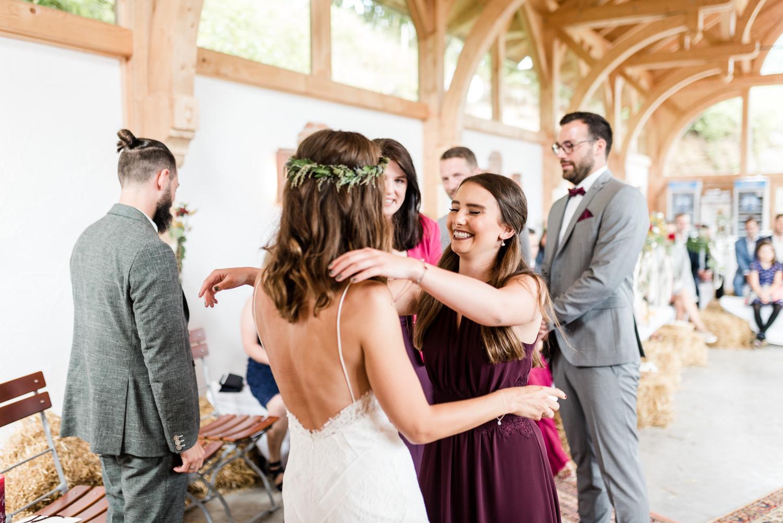 Glückwünsche für die Braut, Hochzeitsfotografin Veronika Anna Fotografie