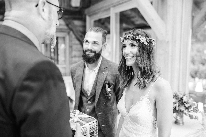 Glückwünsche an das Brautpaar am Grandsberger Hof, bayerischer Wald.
