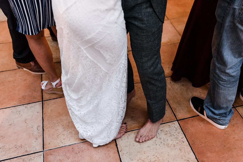 Brautpaar barfuß, aufgenommen am Grandsberger Hof, Deggendorf