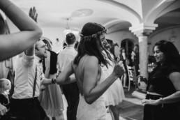 Freestyle Tanz bei Hochzeit am Grandsberger Hof, Deggendorf, fotografiert von Hochzeitsfotografin Veronika Anna Fotografie.