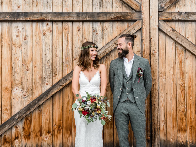 Hochzeit am Grandsberger Hof mit freier Trauung im Bayerischen Wald fotografiert von Hochzeitsfotografin Deggendorf Veronika Anna Fotografie