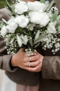Brautstrauß Detailaufnahme beim Shooting von Veronika Anna Fotografie Hochzeitsfotograf Deggendorf