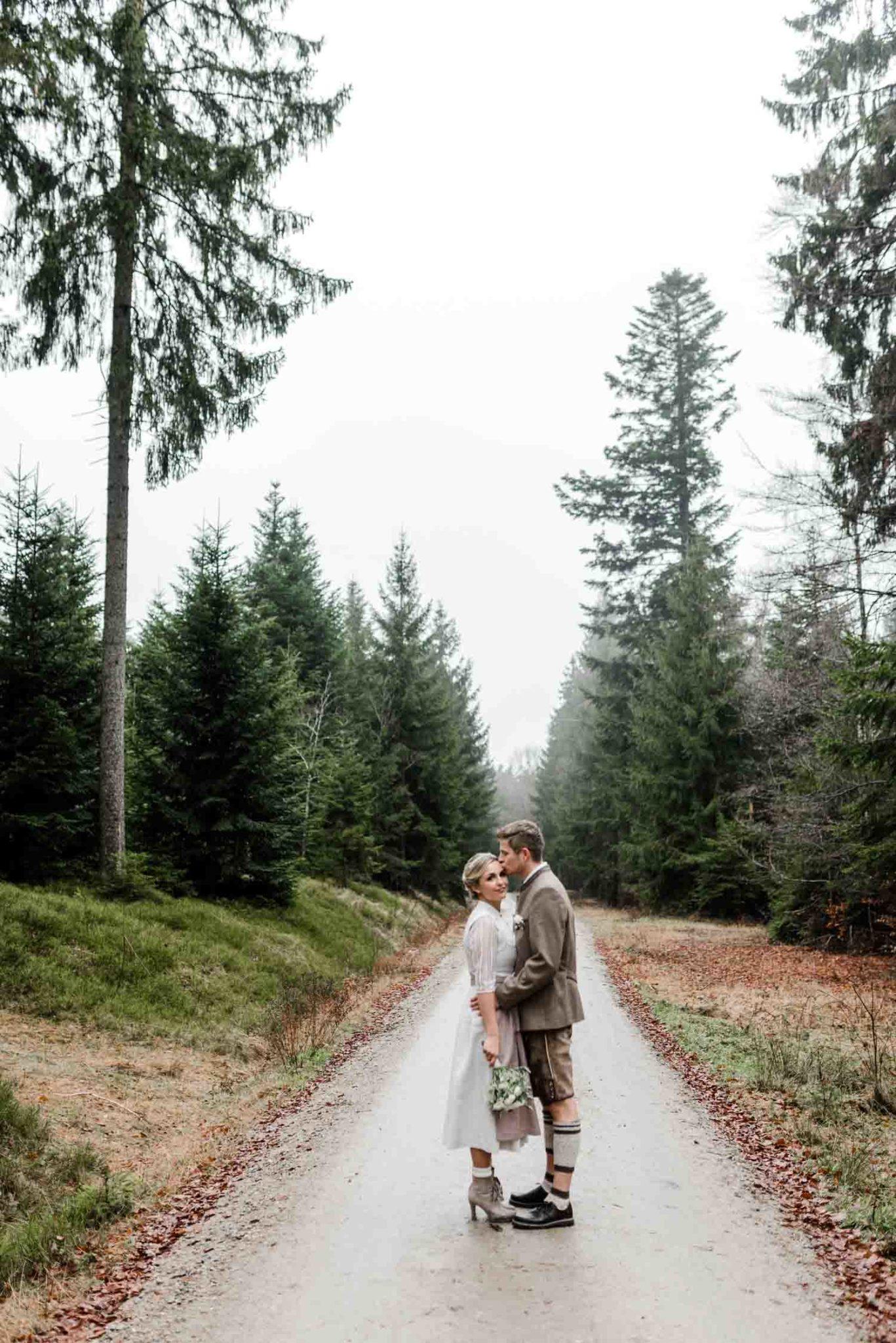 Brautpaarshooting bayerischer Wald mit Hochzeitsfotografin Veronika Anna Fotografie Deggendorf