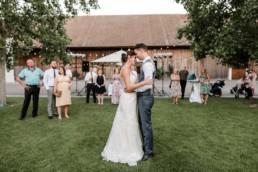 Tanz von Braut und Bräutigam fotografiert in Oberösterreich am Irghof Obernberg