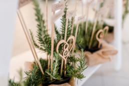 Green Wedding nachhaltiger Hochzeitstrend fotografiert am Irghof Obernberg von Veronika Anna Fotografie Hochzeitsfotografin Oberösterreich