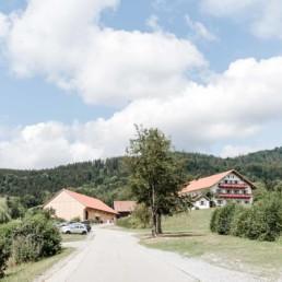 Hochzeitslocation Wildberghof Buchet, für natürliche Hochzeiten im bayerischen Wald