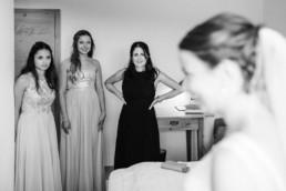 Getting Ready der Braut am Hochzeitsmorgen im bayerischen Wald, Hochzeitsfotograf Deggendorf Veronika Anna Fotografie