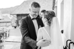 Vater und Braut, natürliche Hochzeitsfotos von Veronika Anna Fotografie Hochzeitsfotograf Deggendorf