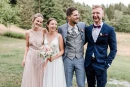 Natürliche Hochzeitsfotos fotografiert von Veronika Anna Fotografie Hochzeitsfotograf Deggendorf und Umgebung