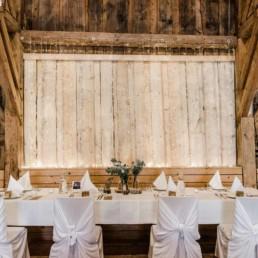 Scheunenhocheit am Wildberghof Buchet im bayerischen Wald mit Veronika Anna Fotografei für natürliche Hochzeitsfotos
