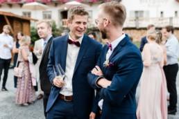 Natürliche Hochzeitsfotos von Hochzeitsfotografin Veronika Anna Fotografie am Wild-Berghof Buchet