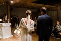 Brautpaar bei der Zeremonie im Nothaft Gewölbe.